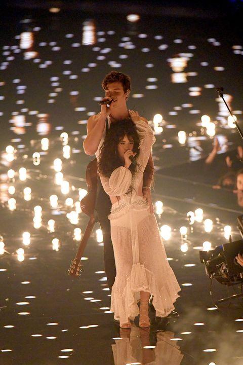 Camila Cabello & Shawn Mendes' VMAs Body Language Analysis