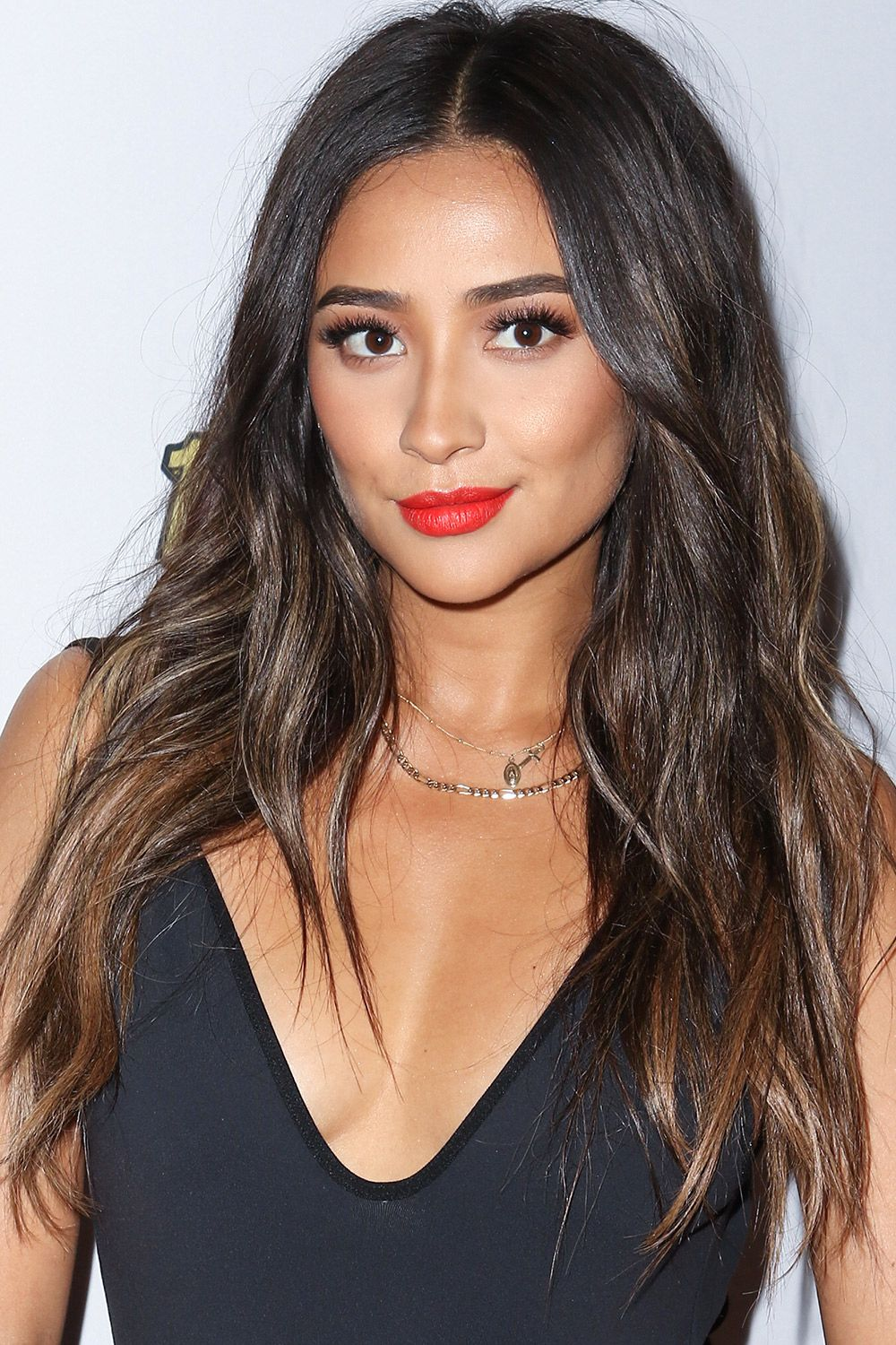 7 Celebs With Black Hair Highlights We Love Highlights For Black Hair