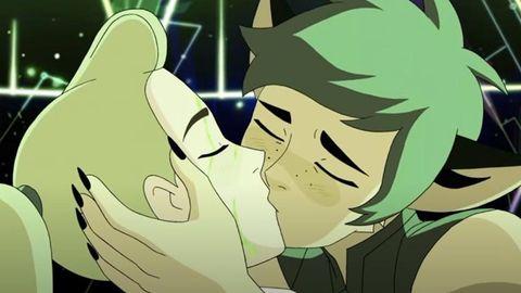 she ra and catradora kiss, season 5