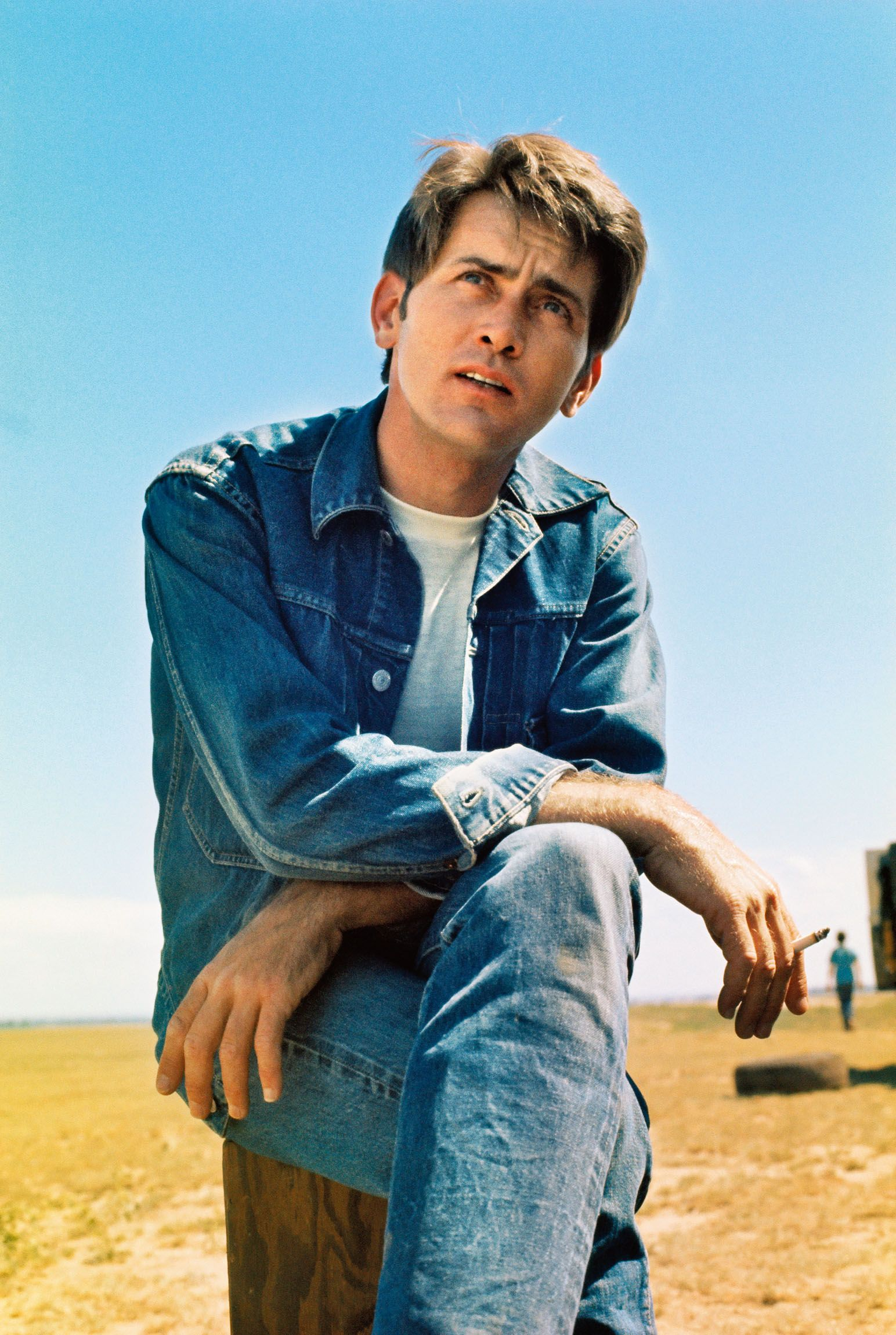 """Martin Sheen graciously took the time to pose in character on the set of Badlands "" in La Junta, Colorado in 1972, according to Resnick."