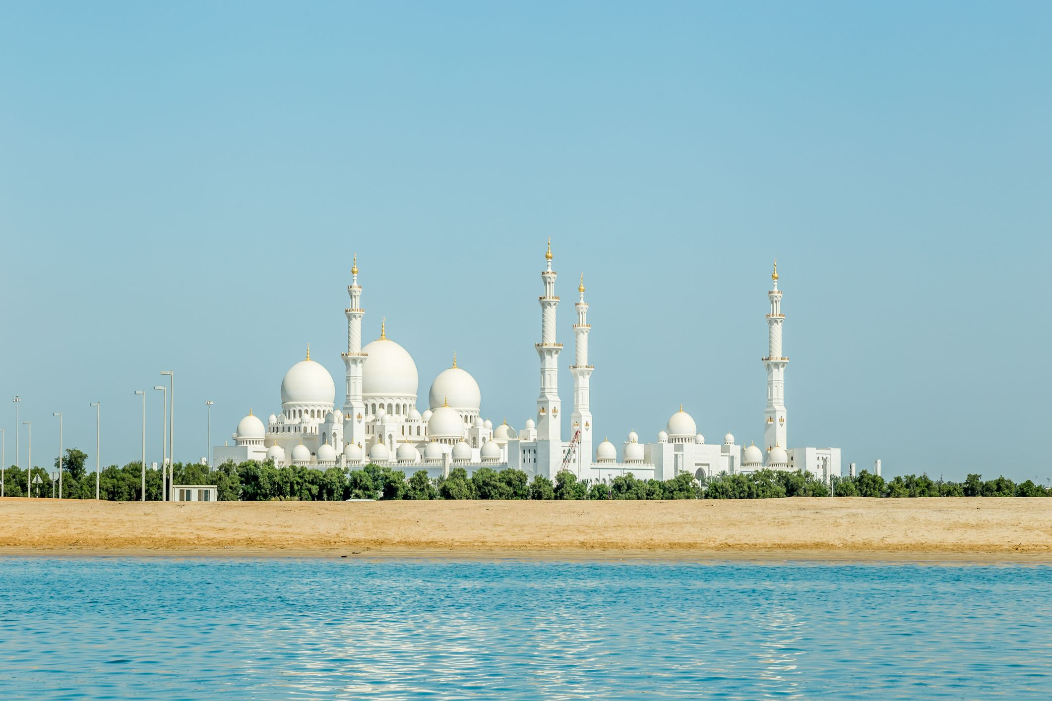 Sheikh Zayed Mosque Abu Dhabi - most popular landmarks in the world