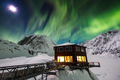 Aurora, Winter, Snow, Sky, Geological phenomenon, Mountain, Freezing, Cloud, Night, Ice,