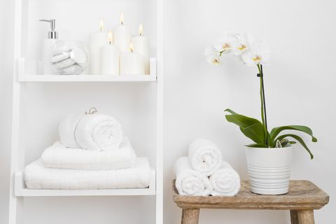 There's A Crucial Difference Between Bath Sheets and Bath Towels