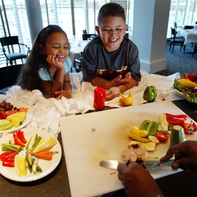 kids, parents try healthy living