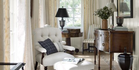 small white living room sherwin williams alabaster - Design Ideas For Small Spaces