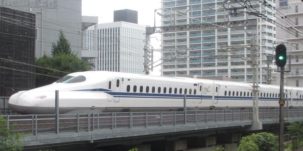 Japan's Brand New Bullet Train Is Earthquake-Proof thumbnail