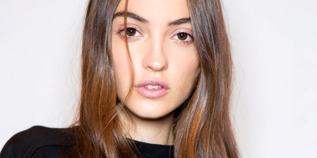 Apple Cider Vinegar for Hair: Yes, It Helps Dandruff and Build Up - Cosmopolitan