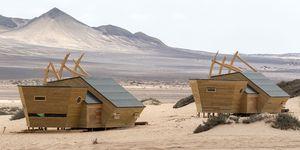 Las cabañas de la Costa de los Esqueletos inspiradas en los naufragios