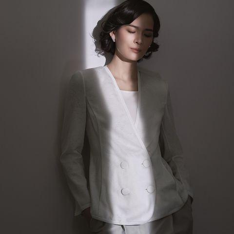 ジョルジオアルマーニの白ジャケット