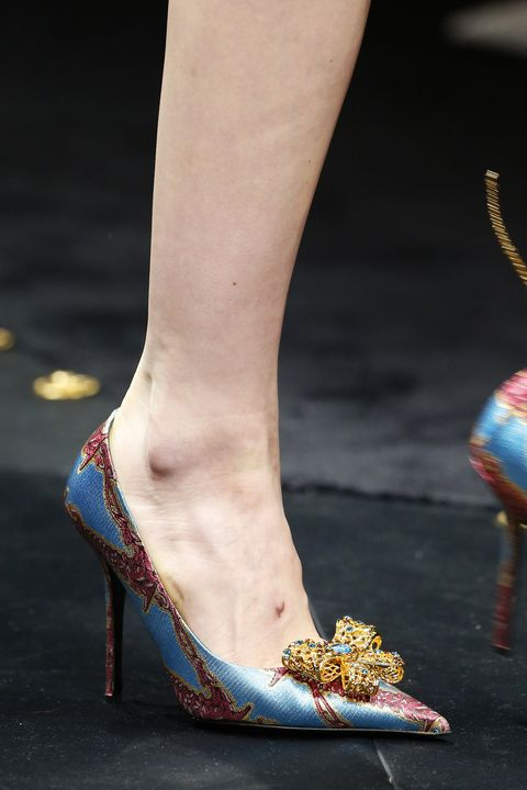 a6760d884 Versace - Details  Milan Fashion Week Autumn Winter 2019 20