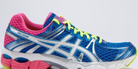 Footwear, Product, Shoe, Sportswear, Green, Athletic shoe, White, Sneakers, Line, Pattern,