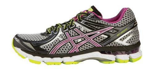 Footwear, Product, Shoe, Athletic shoe, Sportswear, White, Sneakers, Purple, Logo, Pattern,