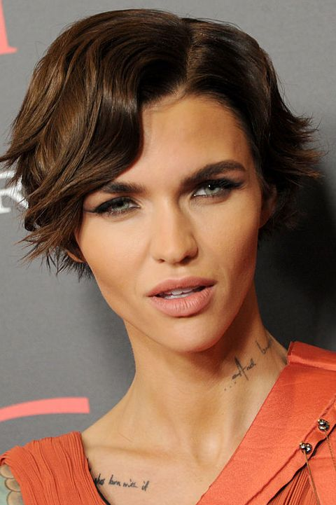 45 Cute Short Haircuts For Women 2020 Short Celebrity Hairstyles