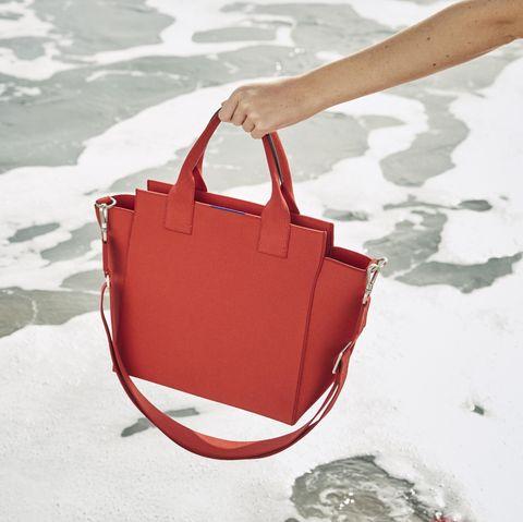 Bag, Handbag, Red, Fashion accessory, Luggage and bags, Tote bag, Leather,