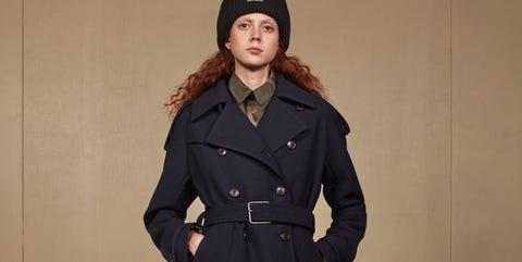 Clothing, Coat, Overcoat, Trench coat, Outerwear, Fashion, Duster, Footwear, Sleeve, Knee,