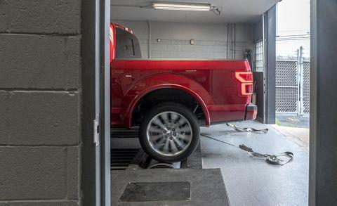 Шина, автомобиль, автомобильная шина, автомобиль, колесо, автомобиль, обод, спица, автомобильная колесная система, крыло,