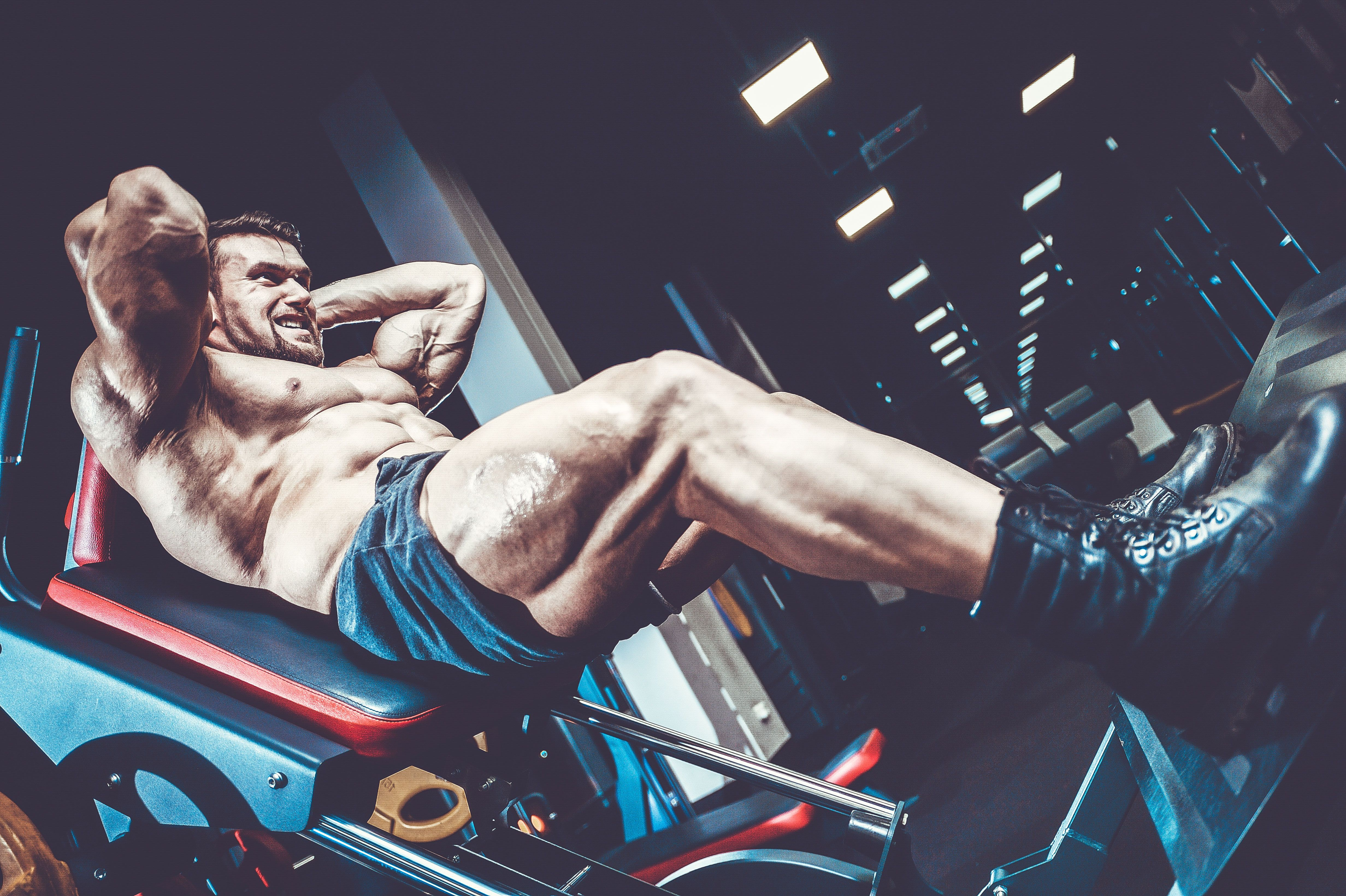 Want Monster Quads? Time to Learn the Hack Squat.