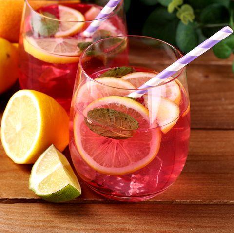 Food, Lime, Grapefruit, Citrus, Ingredient, Fruit, Drink, Limeade, Key lime, Orange,