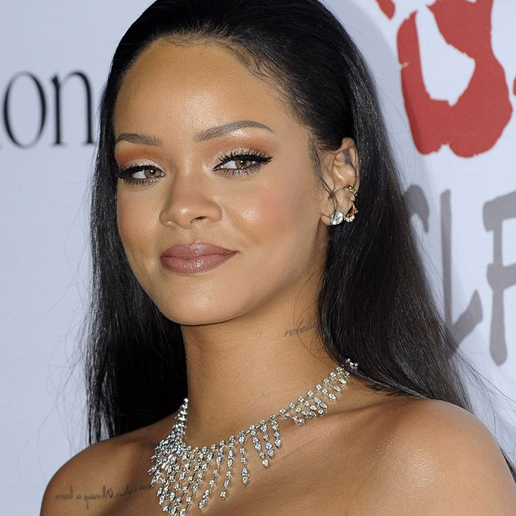 "Rihanna The badass singer outlined what she does when acne crops up: ""When I feel like my skin has had it, I cut out all alcohol and overdo the water,"" she told Cosmopolitan U.K . ""And lipstick is essential—it draws attention away from any flaws."""