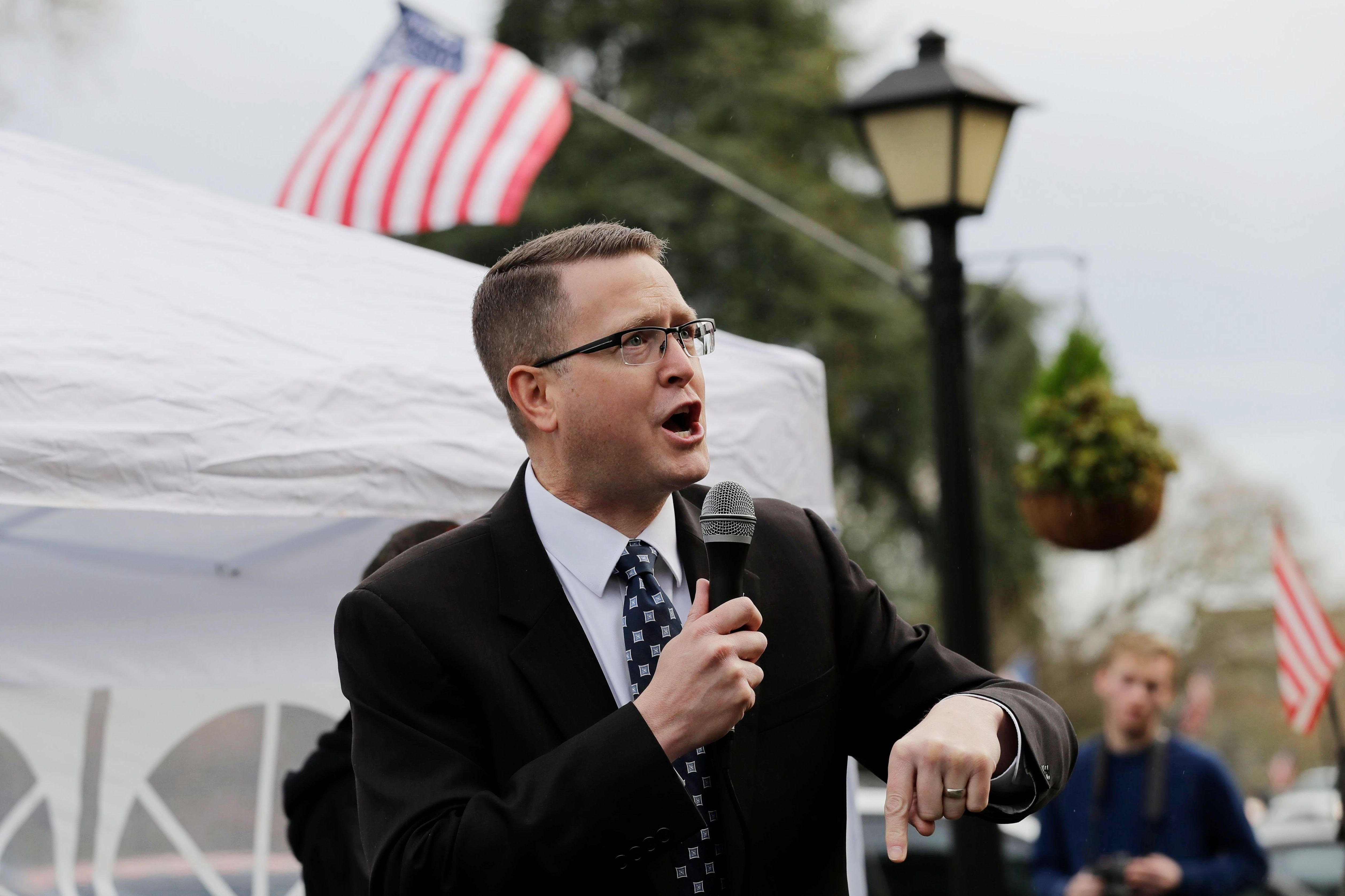 A Washington State Republican Was Caught Chatting With Some Very Crazy, Very Racist, Very Well-Armed People