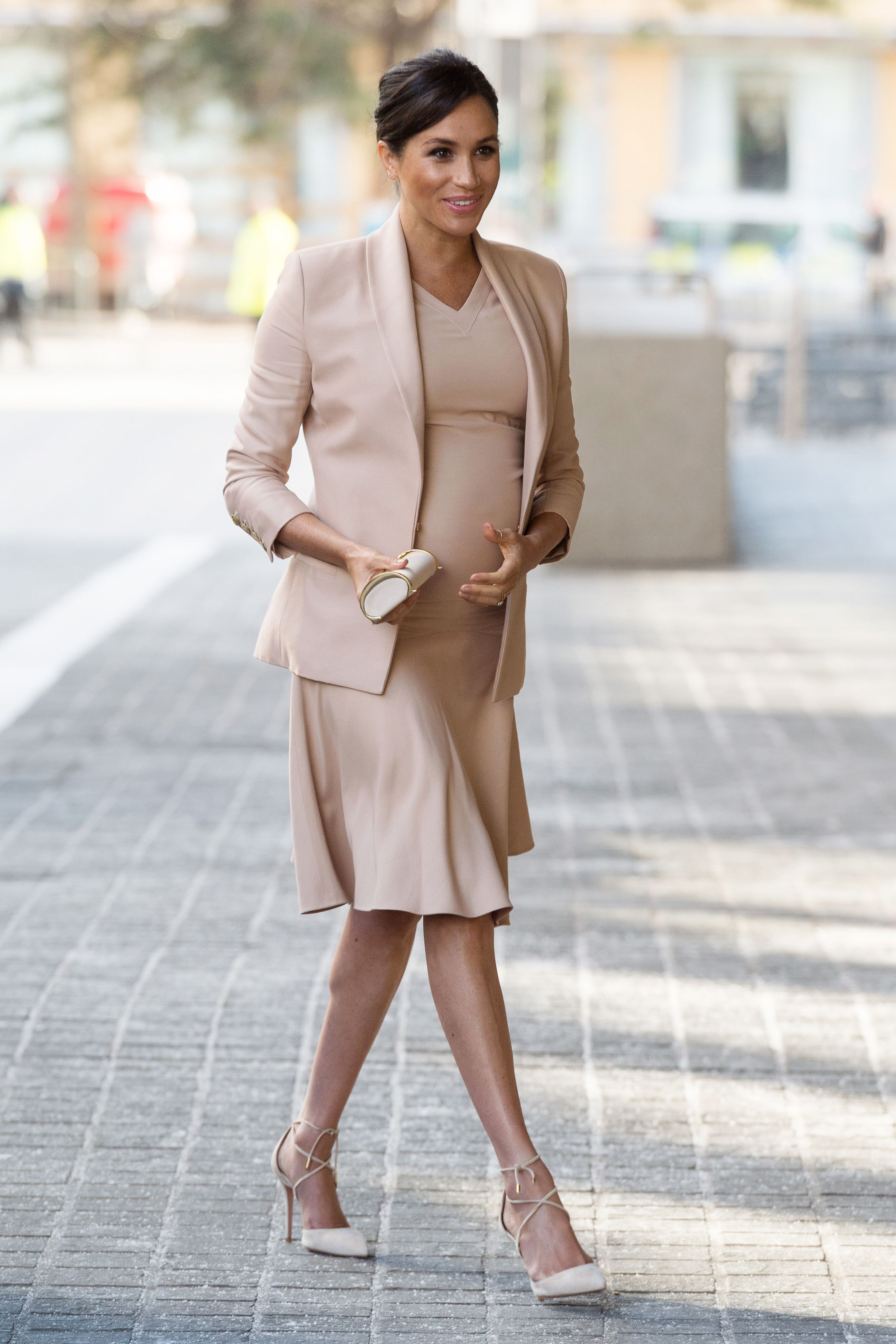 7f1016645a0 Shop Meghan Markle s Style - How to Wear Meghan Markle s Outfits