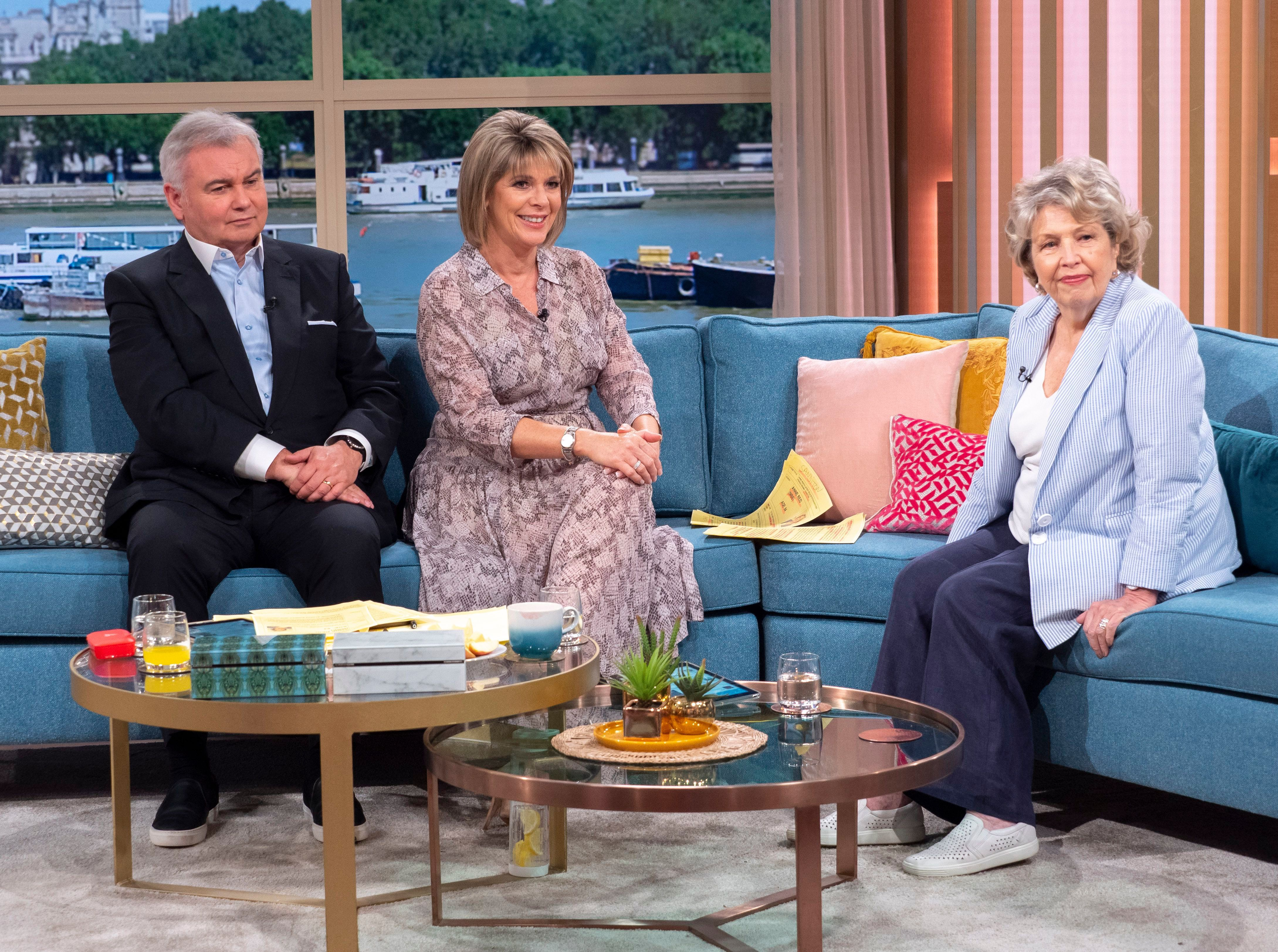 Ruth Langsford Is Queen Of The Shirt Dress In A Stunning Style