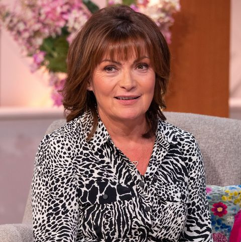 Lorraine Kelly is giving us that Friday feeling today in the perfect animal print dress.
