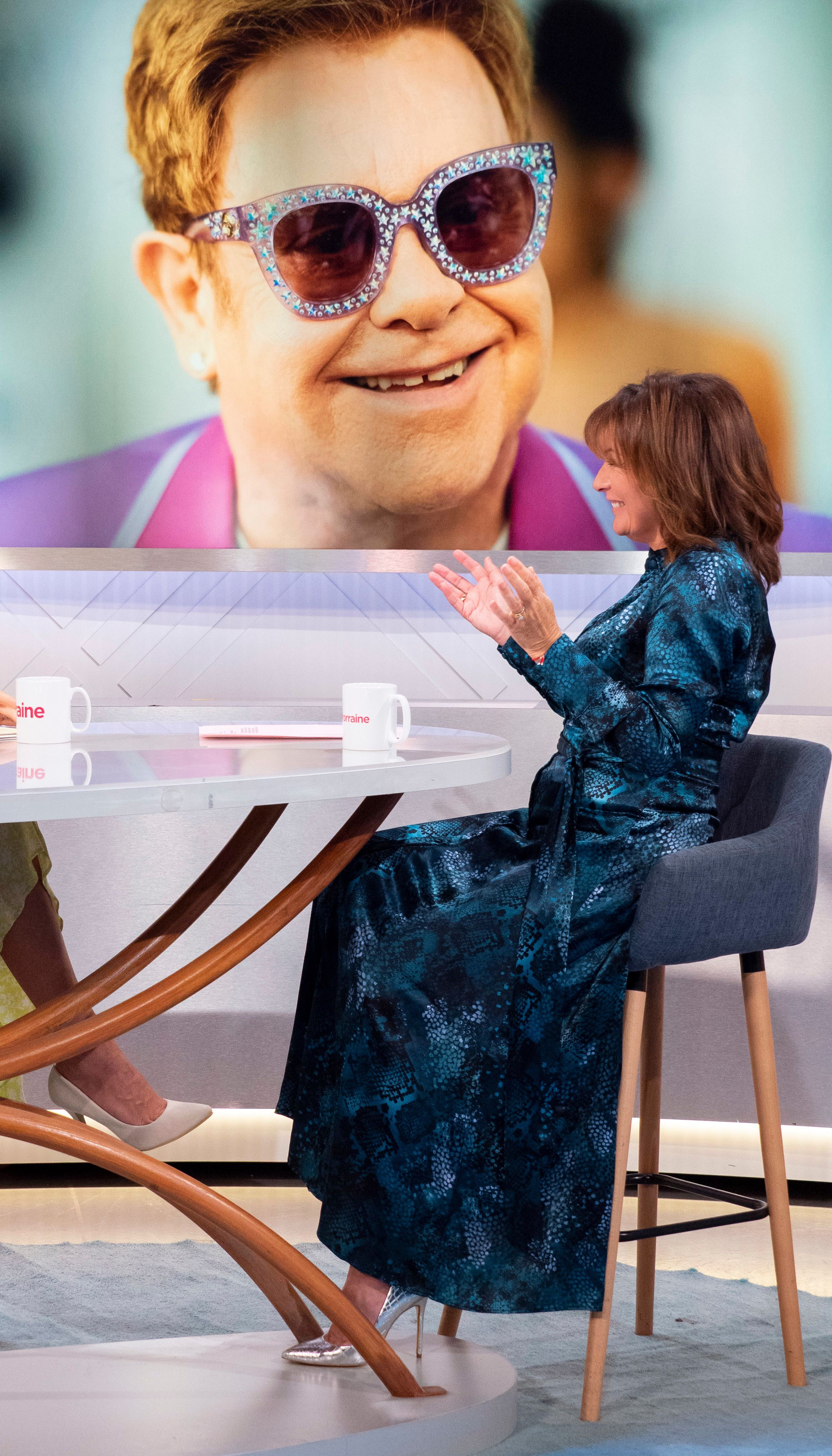 Lorraine Kelly's fabulous maxi shirt dress is perfect for winter occasions