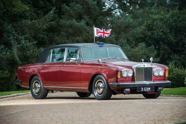 mandatory credit photo by silverstoneauctionsbournemouth newsshutterstock 10964618f a rolls royce car that belonged to princess margaret for over 20 years has emerged for sale at auction for £55,000  the silver wraith ii was delivered from new to the queens sister in 1980 and was used by her for private and public engagements  the rear seats were deliberately raised so she and her guests could be clearly seen by the public  some of her vip guests she had in the back included us president ronald reagan rolls royce that belonged to princess margaret emerges for sale at auction, uk   mar 2020
