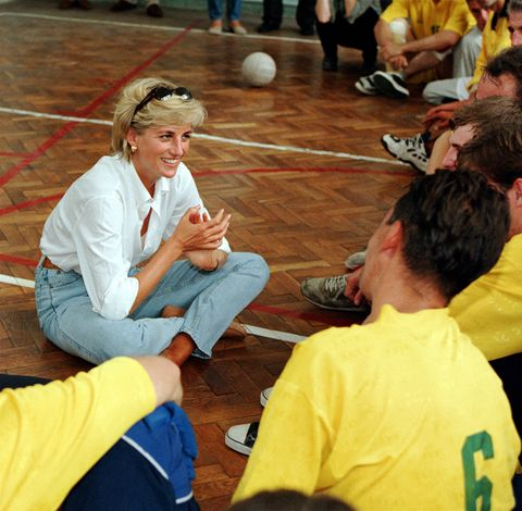 mandatory credit photo by tim rookeshutterstock 277623bsprincess diana visiting a school in sarajevoprincess diana promoting the landmine survivors network, bosnia   aug 1997