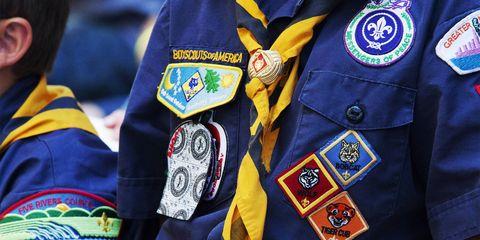 Yellow, Uniform, Jacket, Outerwear, Textile, Shirt, Sports uniform,
