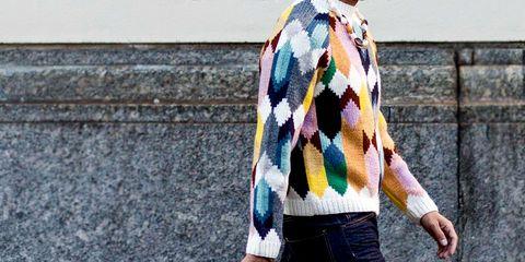 Clothing, Stole, Street fashion, Outerwear, Yellow, Scarf, Fashion, Textile, Neck, Woolen,
