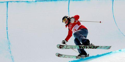 Sports, Skier, Ski, Skiing, Alpine skiing, Ski boot, Ski cross, Ski binding, Ski pole, Snow,