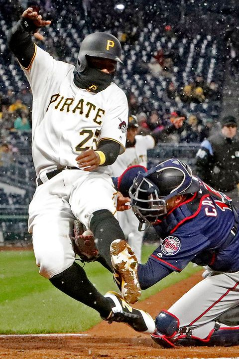 Sports gear, Sports, Baseball player, Baseball equipment, Sport venue, Sports equipment, Team sport, Ball game, Player, Baseball uniform,