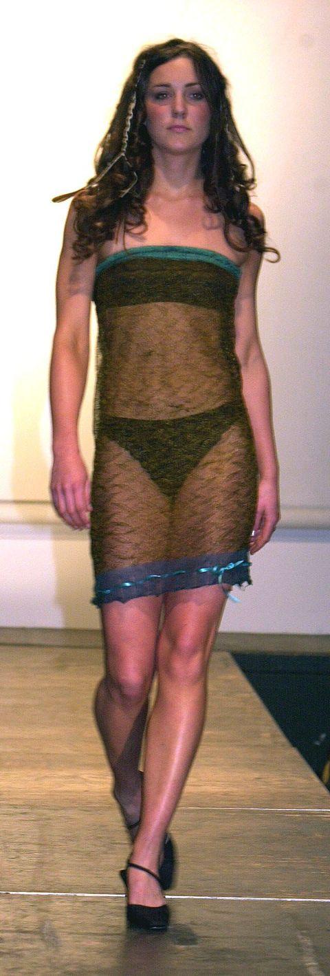 Clothing, Fashion, Leg, Thigh, Human leg, Joint, Shoulder, Waist, Dress, Human body,
