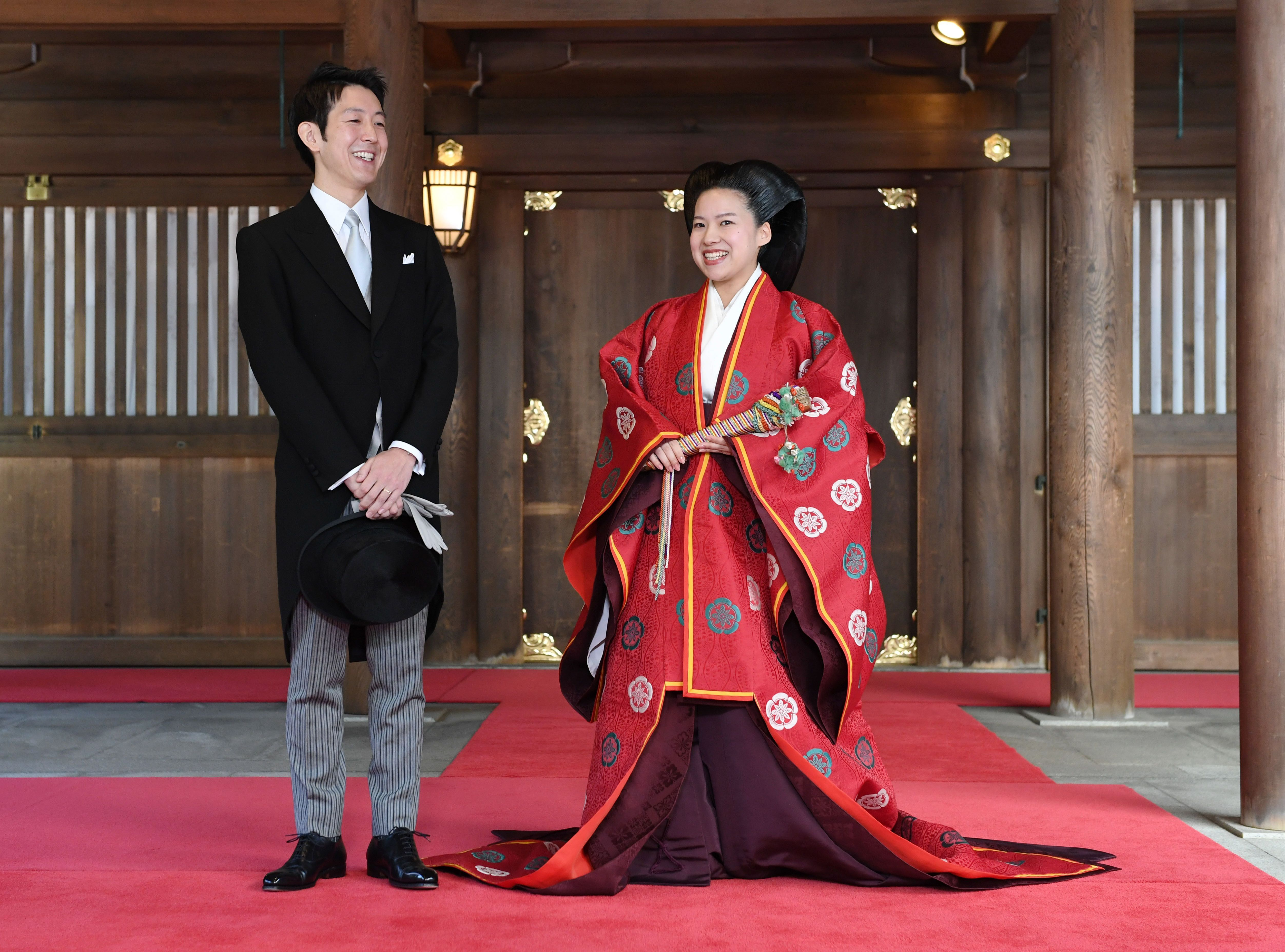 After renouncing her royal title , Princess Ayako married Kei Moriya in a private ceremony in Tokyo on October 29.