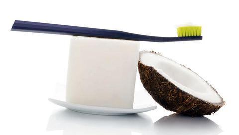 Coconut oil for cleaning teeth