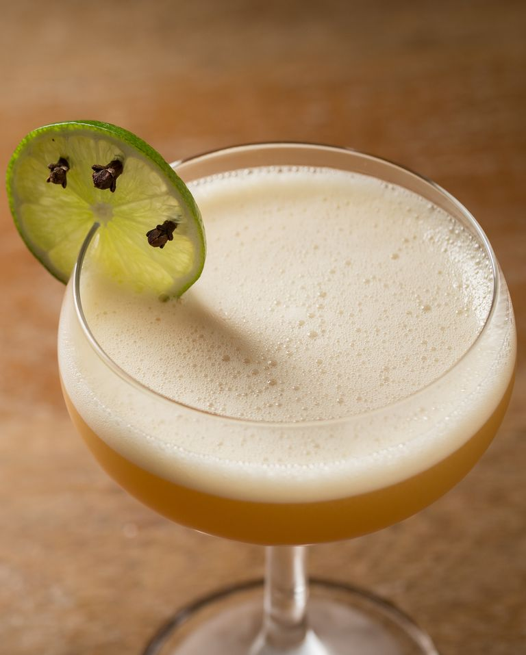 Traditional Thanksgiving Drinks: 20 Best Thanksgiving Cocktails 2017