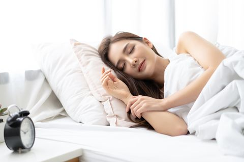 wfh失眠怎麼辦?9個「晚安瑜伽」搭配478呼吸,幫你快速入睡