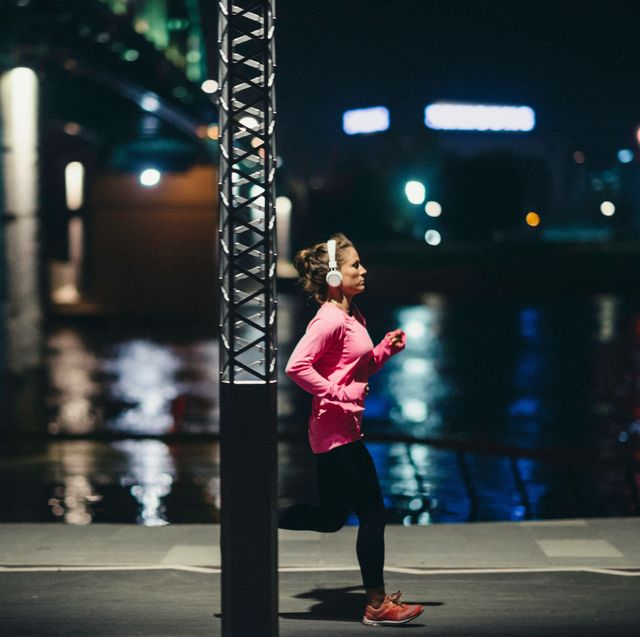 how to stay safe running in the dark