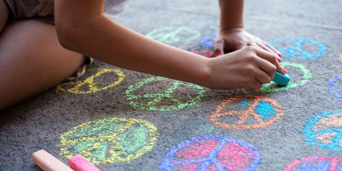 13 Best Sidewalk Chalk For Kids Fun Colored Sidewalk Chalk