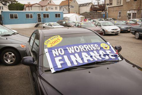 تضرر تمويل السيارات من آثار أزمة الإسكان والائتمان