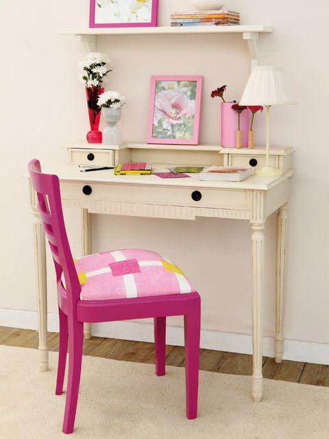 Cómo restaurar, tapizar, y pintar una silla