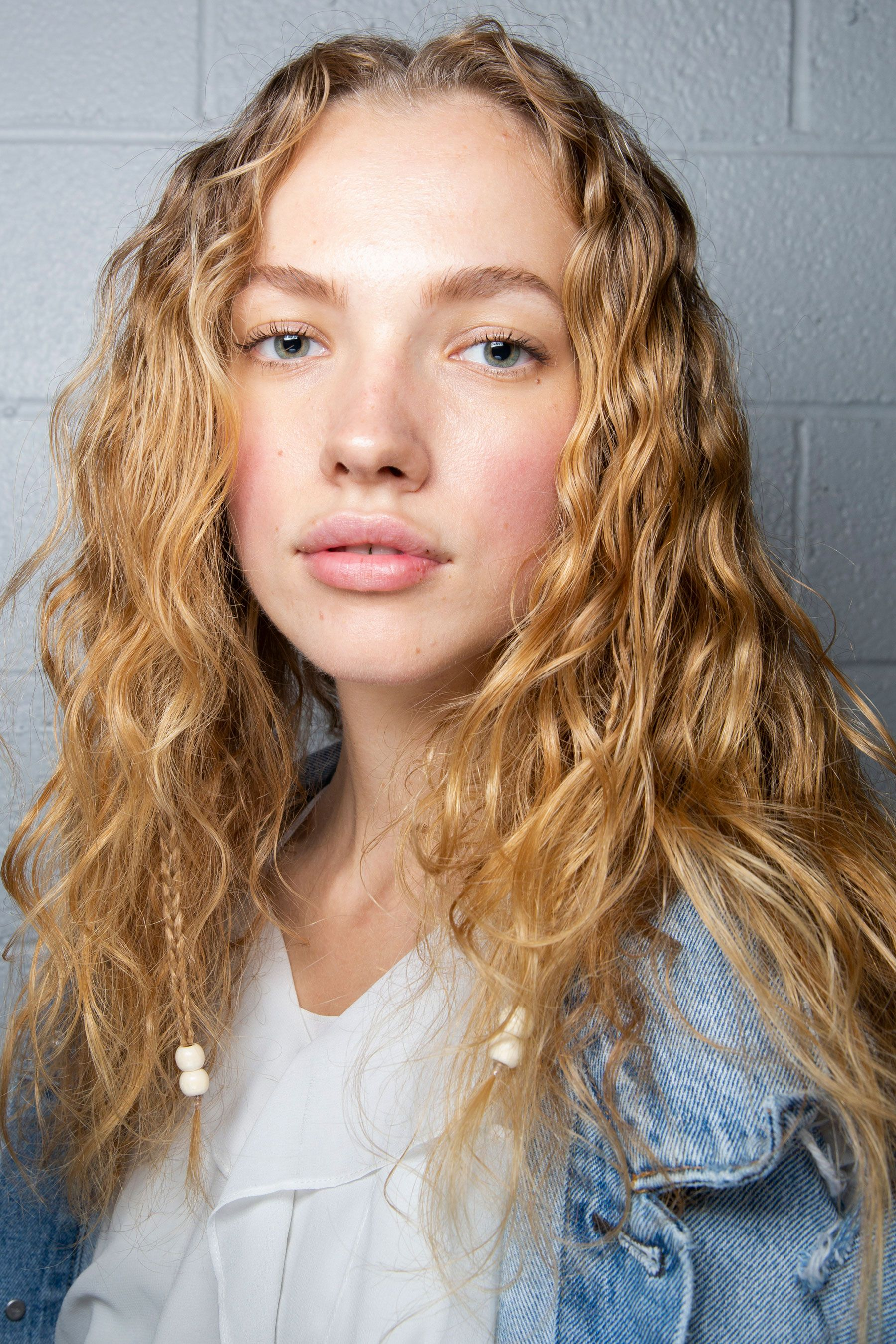 97aed78bf2cd The Best Hair Looks From the Spring 2019 Runways - Spring Summer Hair  Trends 2019