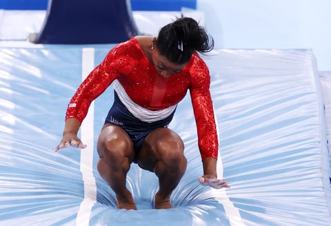 simone biles at the tokyo olympic games