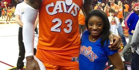 e75d42fe5c40 This Hilarious Picture of Simone Biles and Lebron James Almost Looks  Photoshopped