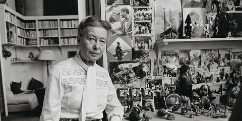 Simone de Beauvoir en su casa de París