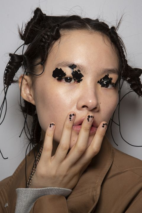 Face, Hair, Eyebrow, Skin, Lip, Nose, Cheek, Head, Forehead, Beauty,