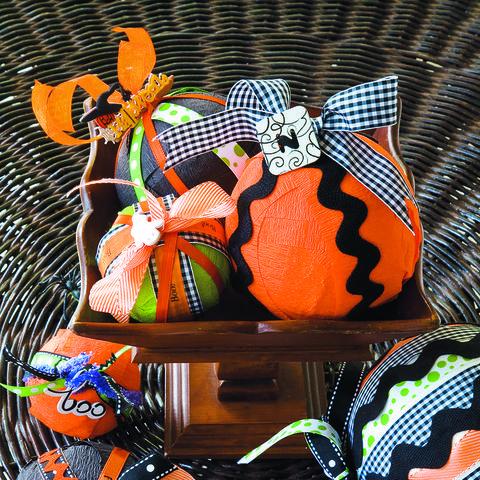 simple halloween crafts charm balls