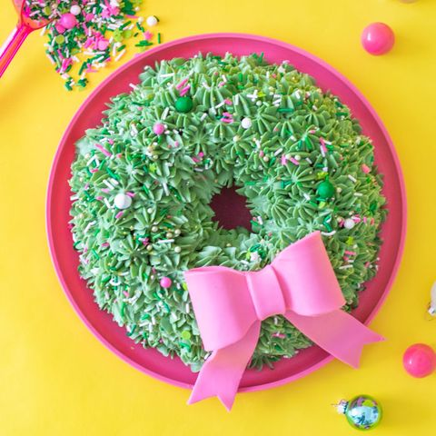 Bundt Cake Wreath - Christmas Cake Decorations
